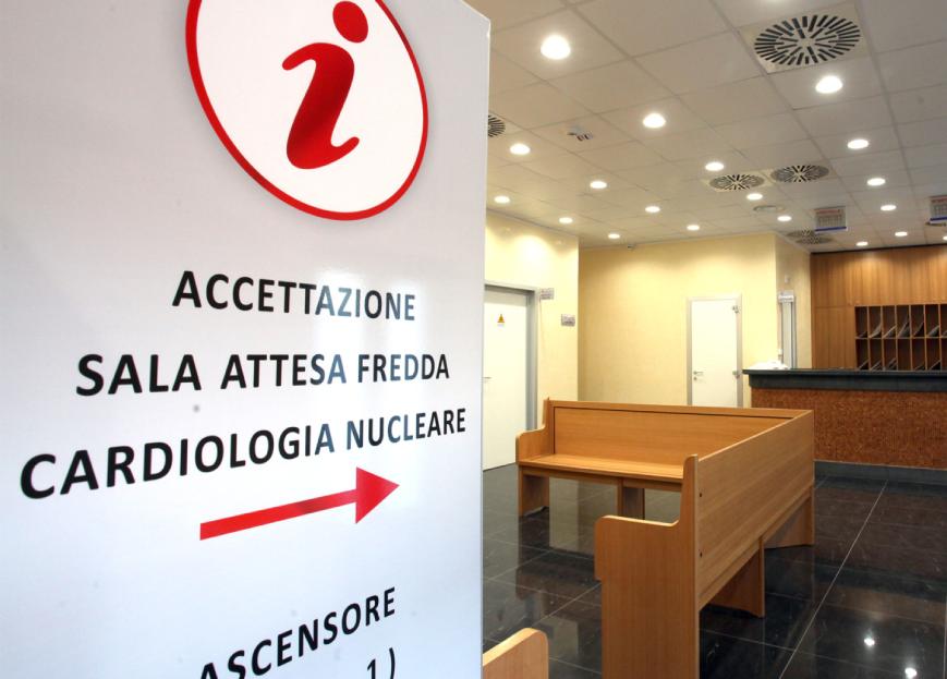 Shooting fotografico CMO - Agenzia pubblicitaria Napoli - Libellula Grafica Lab